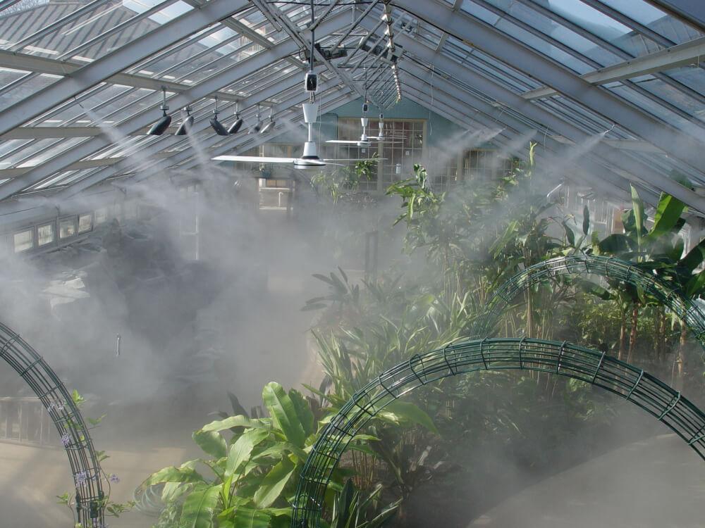 如何利用喷雾给温室降温